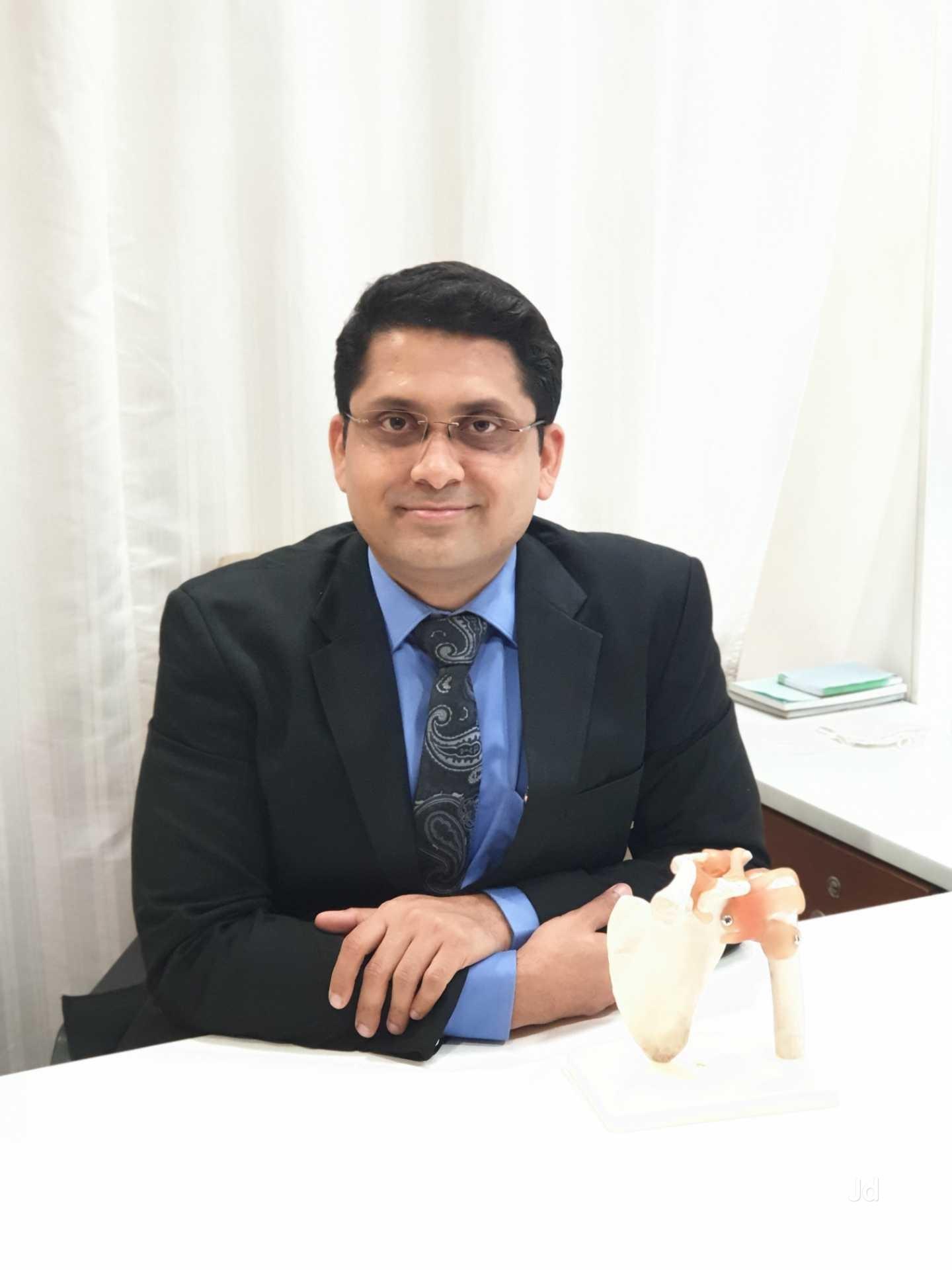 Best Orthopedic and Knee Replacement Doctor in Surat Gujarat | Wellknown Orthopedic Hospital in Surat